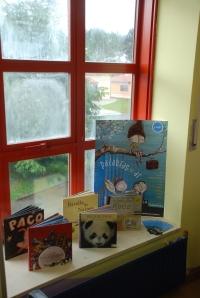 Os libros da campaña PALABRAS NO AR ocuparon un lugar destacado na Biblioteca