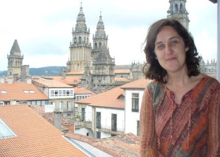 Paula Carballeira, entrevistada polos escolares de Fene, a súa vila natal