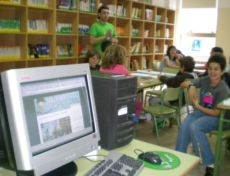 O blog de PALABRAS NO AR, na pantalla do ordenador da aula