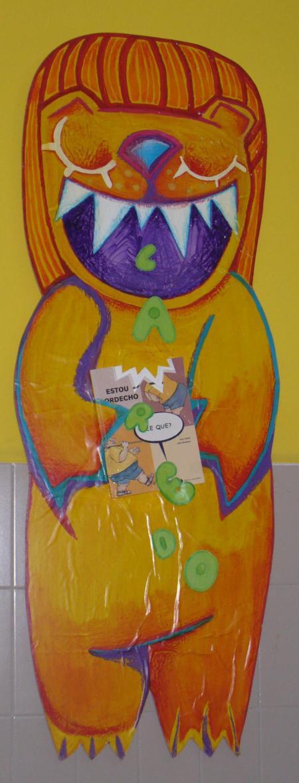 Leo, a mascota da biblioteca do Ceip Laredo