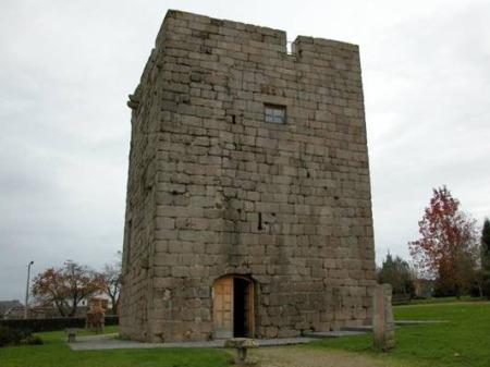Vista da Torre de Celas, museo etnográfico de Culleredo